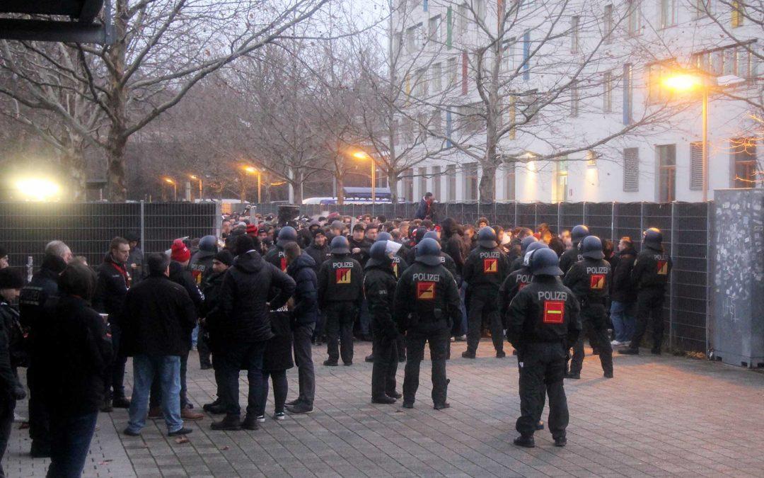 Unverantwortliche und gefährliche Polizeiaktion – die aktive Fanszene fordert Überprüfung der Maßnahme